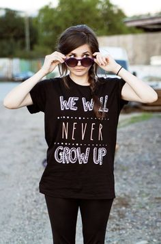 Never Grow Up, Inspiring People, Beautiful People, Women's Fashion, T Shirts For Women, Pretty, Youtube, Hair, Outfits
