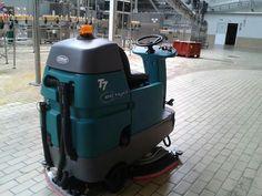 Fregadora Tennant T7 ecH2O. Limpieza Sostenible: ahorro de agua y menos emisiones de CO2 en Industria de Bebidas
