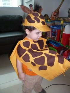 Disfraz de jirafa Great Halloween Costumes, Diy Costumes, Projects For Kids, Crafts For Kids, Theme Carnaval, Giraffe Costume, Lion King Costume, Animal Dress Up, Fancy Dress For Kids