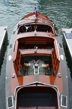 """Big Boy"" (Scripps 302 316hp V-12) 1937 28' Gar Wood 746 Custom Runabout 316-hp., 12-cyl. Scripps 302 engine"
