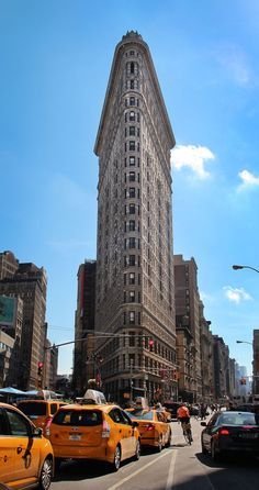 Flatiron Building / Click through to find out where to find the best photo spots in NYC! / A Globe Well Travelled Photo New York, New York City Photos, Puente Golden Gate, Manhattan, Brooklyn, Voyager Loin, Flatiron Building, I Love Nyc, New York City Travel