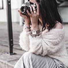 Happy weekend everyone Hier ist der Fr�hling endlich zur�ck Was macht ihr am Wochenende? #fashion #fashiongoals #fashionblogger #blogger_de #ootd #outfitoftheday #outfitinspiration #outfitoday #springvibes #wardrobegoals #lifestyleblog #styledbyme #juliesdresscode #styleblogger #styling #details #detailshot #fscgirls_