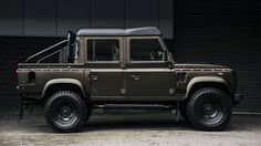 Defender 2.2 TDCI 110 Double Cab Pick Up Chelsea Wide Track | Buy Used Land Rover Defender | Buy Used Jeep Wrangler | Buy Used Mercedes-Benz | Chelsea Truck Company | Kahn Design