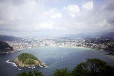 Pidot Biskajanlahdella. Espanjan Baskimaassa sijaitseva San Sebastián on maailman parhaita ruokakakaupunkeja. Teimme pintxokierroksen. Mondo.fi