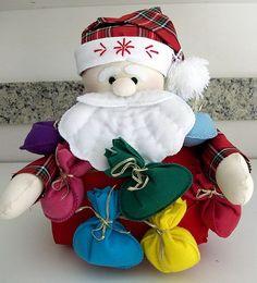Tudo em Feltro: (F0101) Decoração Natal Felt Crafts, Christmas Crafts, Christmas Decorations, Christmas Humor, Christmas Time, Holiday, Felt Christmas Ornaments, Christmas Stockings, Quilted Gifts