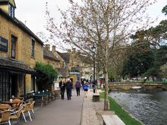 11 Beautiful Cotswolds Villages You Need To See - To Europe And Beyond Places To Travel, Places To See, Travel Destinations, English Village, English Cottages, Places In Scotland, Day Trips From London, English Country Style, British Countryside