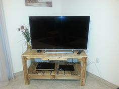 Reclaimed pallet TV stand for a customer.