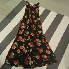Forever 21 small black and red rose print dress Size small New without tags  Slit up front middle Open back Lace trim Forever 21 Dresses Maxi