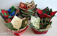 Sew up a bunch of Christmas Charm Square Soup Bowl Cozies to use over the holidays and to give as gifts. Use up all those Christmas charm square packs! Christmas Soup, Christmas On A Budget, Christmas Sewing, Christmas Crafts, Christmas Napkins, Christmas Things, Christmas Ideas, Merry Christmas, Microwave Bowl Holders