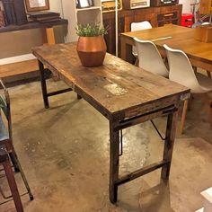 www.potsdam.es C/Santa Marta 6 Pamplona.  Mesas y consolas realizadas con madera reciclada y con las patas plegables