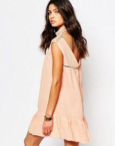 Платье с баской и открытой спиной Somedays Lovin
