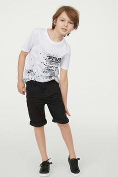 T-shirt in soft cotton jersey with a printed design at front. Young Cute Boys, Cute Little Boys, Cute Teenage Boys, Boys Summer Outfits, Toddler Boy Outfits, Outfits For Teens, Boys Designer Clothes, Baby Boy Hairstyles, Cute Blonde Boys