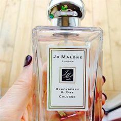 An Autumn Feel Good Favourite 🔮 by Linda Personal Taste, Feel Good, Perfume Bottles, October, Fragrance, Skin Care, Autumn, Feelings, How To Make