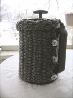 a French press cozy you can crochet!