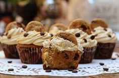 Chocolate chip cookie dough Cupcakes med Dulce de leche- frosting | Fridas bakblogg
