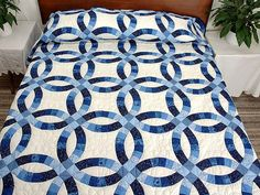Double Wedding Ring Quilt -- splendid ably made Amish Quilts from Lancaster (hs3177)