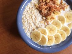 Oat recipes for breakfast, and a giveaway! http://olivia-savannah.blogspot.nl/2017/01/six-impossible-things-before-breakfast.html