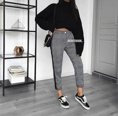 >>>Cheap Sale OFF! >>>Visit>> 40 Fabulous Fall Fashion Trends Clothing For Women; Fall outfits New fall outfits casual outfit; Fall Outfits 2018, Mode Outfits, Fall Winter Outfits, Autumn Winter Fashion, Casual Outfits, Fashion Outfits, Women's Casual, Fashion Mode, Look Fashion