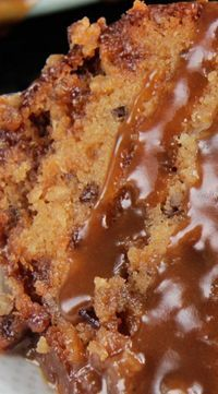 fall desserts recipes, chocolate mousse dessert recipes, recipes for easy desserts - Toffee Pecan Caramel Pound Cake Recipe ~ moist cake bursting with sweet toffee bits, crunchy pecans and rich creamy caramel in every bite. Food Cakes, Cupcake Cakes, Cupcakes, Bundt Cakes, Bolos Light, Just Desserts, Dessert Recipes, Southern Desserts, Fall Desserts