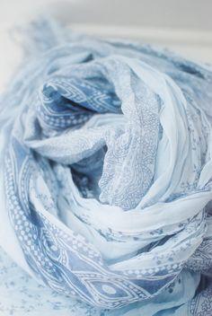 Color inspiration: Pale blue