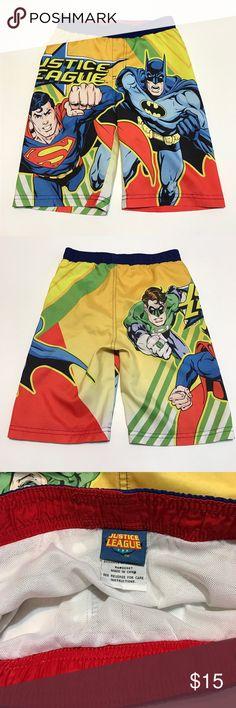 "Justice League Boys Swim Trunks Shorts 5T EUC Justice League Boys Swim Trunks Shorts 5T Excellent Used Condition. Batman, Superman, and Green Lantern DC Characters. Length: 17"" +\- ; Inseam: 7"" Justice League Swim Swim Trunks"