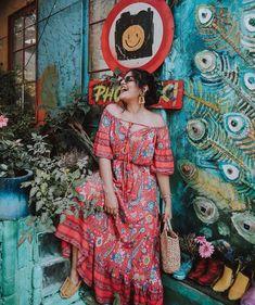 Urban Fashion Photography, Girl Photography Poses, Lovely Dresses, Trendy Dresses, Fashion Dresses, Indian Fashion, Boho Fashion, Girl Fashion