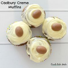 Continuing my obsession journey with all things Easter and chocolate, today I'm sharing with you my recipe for Cadbury Creme Muffins. Now I'm going to come out and say that I'm not really a big fan of the good old Cadbury Creme Egg, there is something about the whole idea of eating an 'egg' that just puts me off - which is probably a good thing as it stops me from eating one less kind of chocolate.