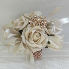 Nude & Rose Gold Wrist Corsage