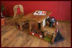 Dětský stoleček a židlička dřevěný vláček