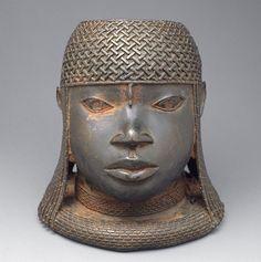 Benin bronze hip masks and Benin Oba commemorative heads Elements Of Art Texture, Texture Art, Afrique Art, Art Tribal, African Sculptures, Art Populaire, Art Premier, 3d Studio, Bronze