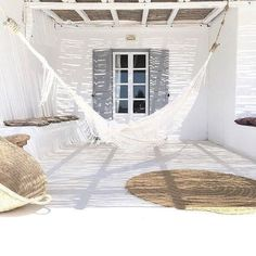 :: Coastal Home Decor Pins 132 :: Relax in the hammock on this shady beach house patio Outdoor Spaces, Outdoor Living, Outdoor Decor, Outdoor Patios, Ibiza Stil, Ibiza Beach, Menorca, Coastal Homes, Coastal Decor