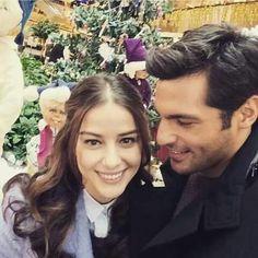 Serkan Çayoğlu & Özge Gürel. Ayaz ve Öykü Cherry Season, Istanbul City, Fox Tv, Actor Studio, Turkish Beauty, Summer Hats, Turkish Actors, Best Couple, Celebs