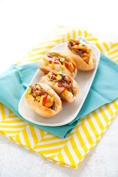 100 % Végétal: Mini hot-dogs vegan Plus Mini Hot Dogs, Vegetarian Appetizers, Appetizers For Party, Appetizer Recipes, Pot Luck, Mini Desserts, Dog Recipes, Vegan Recipes, Vegetarian Starters