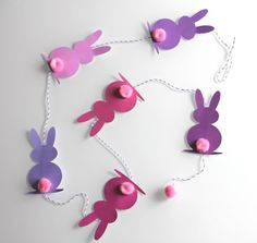 Easter Easter: pretty rabbit garland printable - Diy and Crafts Mix Easter Activities, Easter Crafts For Kids, Toddler Crafts, Diy For Kids, Happy Easter, Easter Bunny, Diy Easter Decorations, Mobiles, Diy And Crafts