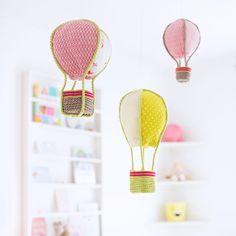 Hier ein kleines DIY fürs Kinderzimmer: Diese süßen Deko-Ballons sind ein echter Hingucker für die Kleinen. Ihr könnt sie…