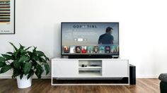 Best video streaming services in the US: Your complete guide Netflix may be one of the more popular video streaming services in the US, but it's certainly not the only option available. We will readily admit that Netflix is one… Smart Tv, Smart Home, Smart Watch, Apple Tv, Tv Samsung 4k, Samsung Galaxy, Hardware E Software, Guide Tv, Step Guide