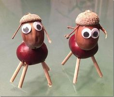 Our weekend in pictures - in October sweet chestnut animals . - Our weekend in pictures – in October Sweet chestnut animals with loose eyes, acorn - Autumn Crafts, Halloween Crafts For Kids, Nature Crafts, Kids Crafts, Diy And Crafts, Christmas Crafts, Arts And Crafts, Creepy Halloween Food, Acorn Crafts