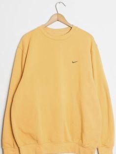 nike sweatshirts Vintage Must - sweatshirt Nike Vintage, Moda Vintage, Retro Vintage, Vintage Ideas, Vintage Yellow, Sweatshirt Outfit, Vintage Nike Sweatshirt, Sweatshirts Vintage, Crew Neck Sweatshirt