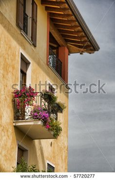 Lovely Italian house with balcony Italian Home, Italian Style, House With Balcony, Italy House, Best Places To Live, Exterior Colors, My Dream Home, Architecture Details, Home And Family