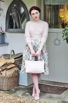 Briar Rose: 5 Ways to Wear Pastel Pink Accessories. Fashion Line, Love Fashion, Fashion Beauty, Vintage Fashion, Classy Outfits, Pretty Outfits, Small Town Girl, Pink Accessories, Fashion Essentials