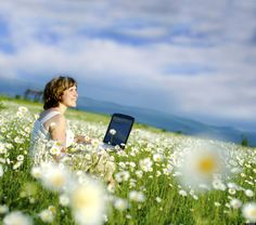 Social media, email, and voicemail can wait for a moment....  7 Ways to practice #mindfulness in the age of technology