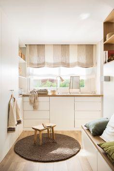 〚 House with a sunny mood in the suburbs of Barcelona 〛 ◾ Photos ◾Ideas◾ Design Maison Muji, Casa Muji, Made To Measure Furniture, Loft Apartment Decorating, Coat Closet Organization, Muji Home, Muji Style, Master Room, Beautiful Interiors