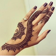 Beautiful #henna tattoo. Reminds us of the pattern on our Devil in a Red Dress: www.uptowngirl.com #fashioninspiration