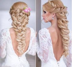 Amazing beautiful braid would go perfect with a wedding .!!