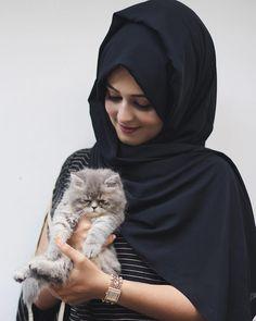 Beautiful Muslim Women, Beautiful Girl Image, Beautiful Hijab, Arab Girls Hijab, Muslim Girls, Hijabi Girl, Girl Hijab, Stylish Girls Photos, Stylish Girl Pic