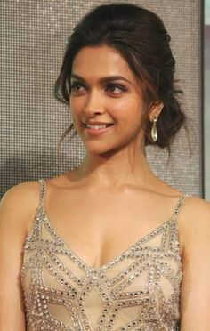 ideas hairstyles indian deepika padukone for 2019 # indian Hairstyles ideas hairstyles indian deepika padukone for 2019 Indian Hairstyles, Elegant Hairstyles, Wedding Hairstyles, Deepika Hairstyles, Gown Hairstyles, Natural Hairstyles, Beautiful Bollywood Actress, Beautiful Actresses, Indian Celebrities