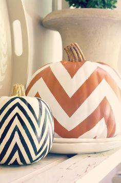 beabridechilla.com/2012/10/08/chevron-pumpkins/  #chevron #pumpkins what a chill october decor idea!