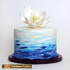 Large Lotus Flower (Water Lily) from gumpaste cake topper perfect for cake decorating fondant cakes. Fondant Cakes, Cupcake Cakes, Fondant Bow, Car Cakes, Fondant Tutorial, Fondant Flowers, Fondant Figures, Cake Icing, Cupcake Toppers