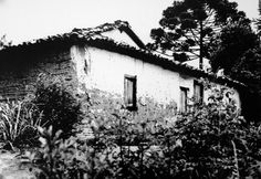House from 17th century in 1945 in Sao Paulo. Nowadays just some walls remains.