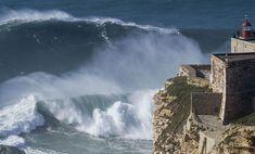 Praia do Norte, Nazaré, com as suas ondas gigantes